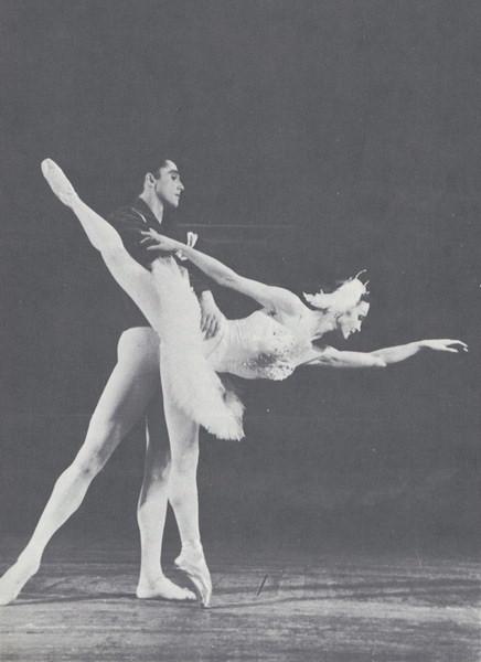 Anciens Danseurs/Danseuses (décédés)... Vangsa01